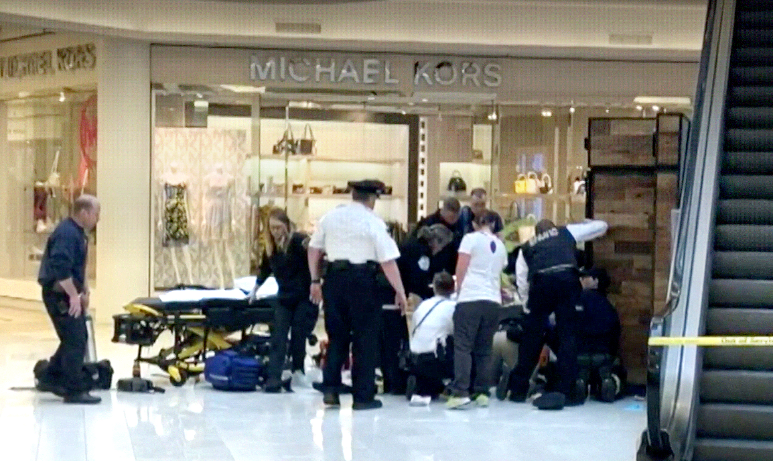 5 Year Old Child Thrown From The Third Floor At Mall Of